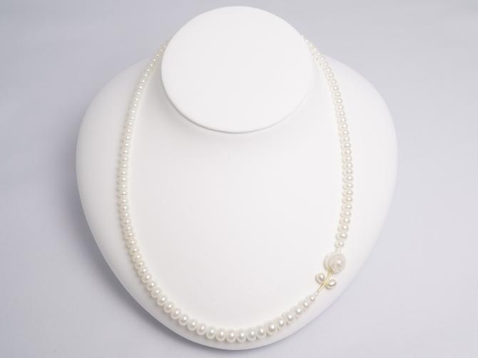 白バラデザイン